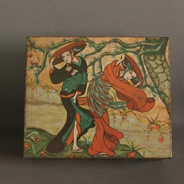 Art Nouveau. Caja de chapa....