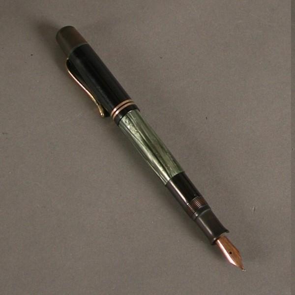 Fountain pen. Pelikan 100N....