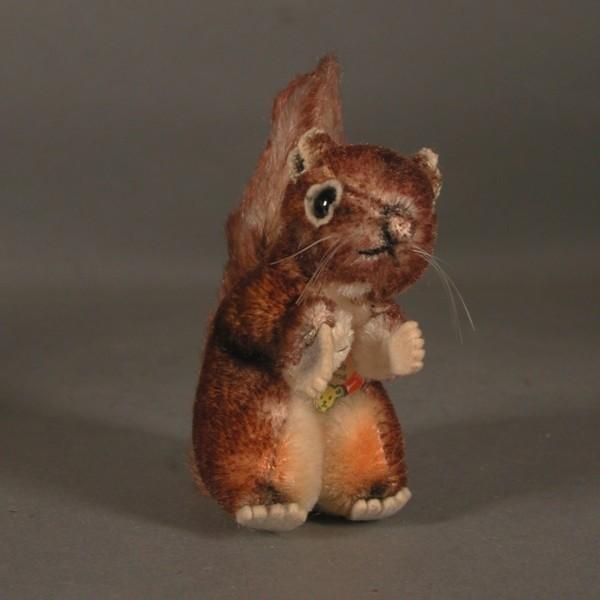 Steiff Squirrel. Walt...