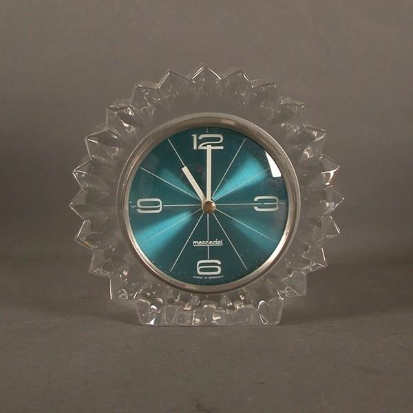 Vintage. Glasuhr der Marke...