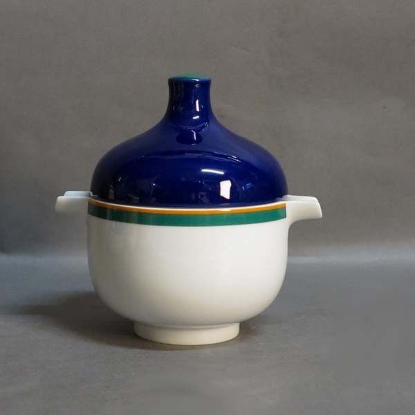 Porcelain sugar bowl....