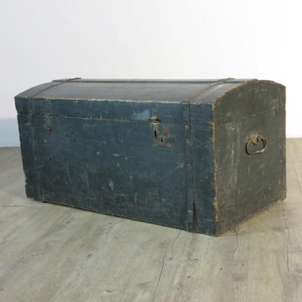 Antique wood trunk 1880 -...