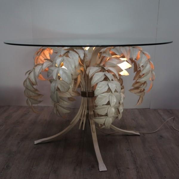 Tisch beleuchtbar im...
