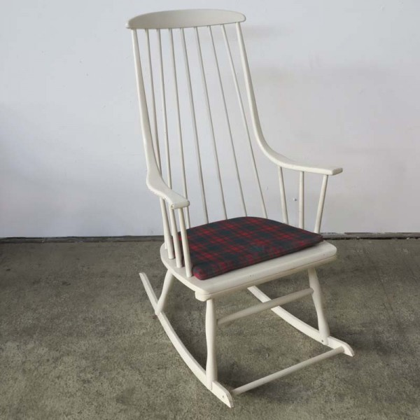 Rocking chair by Lena...