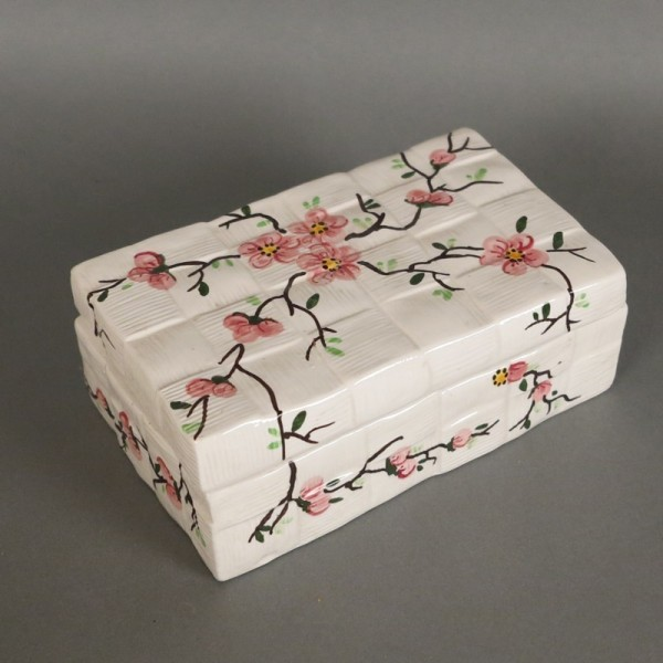 Lid box hand painted with...